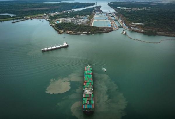 День в истории: 15 августа - Первое судно в Панамском канале и сигнал WOW