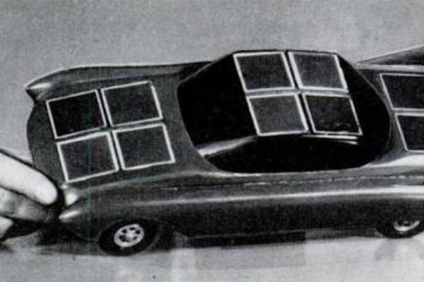 День в истории: 31 августа - Крушение Нахимова и первый автомобиль с солнечными батареями
