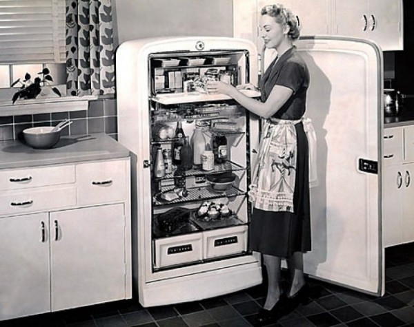 День в истории: 8 августа - Патент на холодильник и кругосветный полет дирижабля