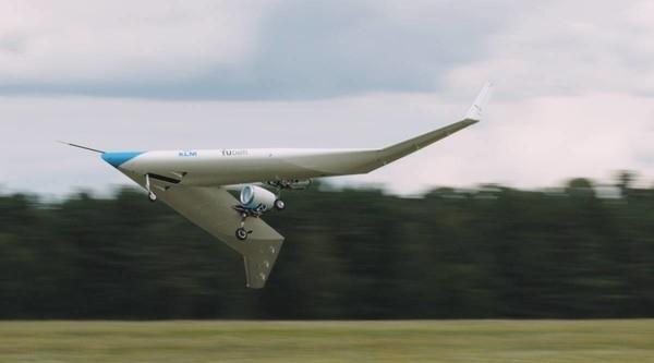 Масштабную модель V-образного самолета Flying-V испытали в воздухе