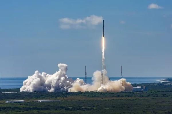 SpaceX запускает 60 интернет-спутников Starlink: Прямая трансляция