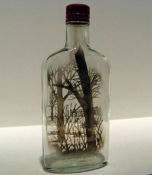 Миниатюрные объемные картины внутри бутылок