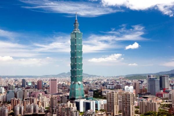 Маятник, скелет, бассейн: 5 архитектурных технологий, которые не позволяют небоскребам упасть